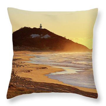 Sunrise At Sugarloaf Point Throw Pillow