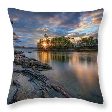 Sunrise At Wolfe's Neck Woods Throw Pillow