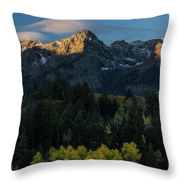 Sunrise In Colorado - 8689 Throw Pillow