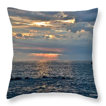 Sunrise In Duluth Throw Pillow