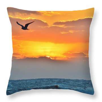 Sunrise In Nags Head Throw Pillow