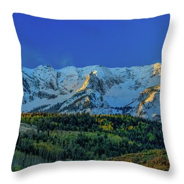 Sunrise On The Dallas Divide Throw Pillow