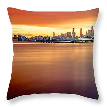 Sunrise On The Weehawken Waterfront Throw Pillow