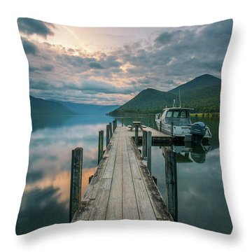Sunrise Over Lake Rotoroa Throw Pillow
