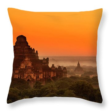 Throw Pillow featuring the photograph Sunrise View Of Dhammayangyi Temple by Pradeep Raja Prints