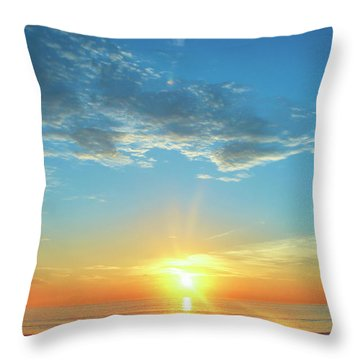 Sunrise With Flare Throw Pillow
