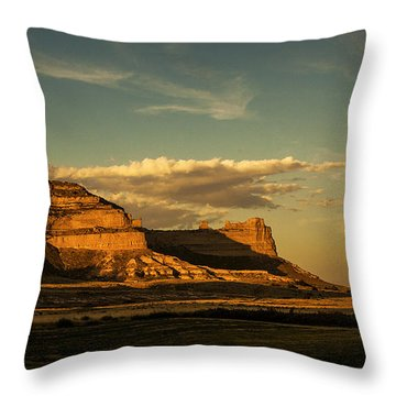 Sunset At Scotts Bluff National Monument Throw Pillow