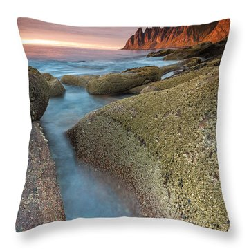 Sunset At Tungeneset Throw Pillow