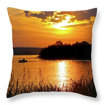 Sunset Boater, Smith Mountain Lake Throw Pillow
