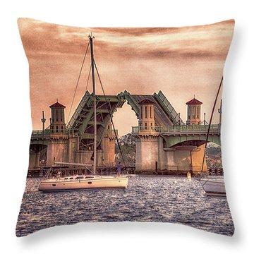 Sunset Closing Throw Pillow