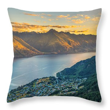 Sunset In New Zealand Throw Pillow