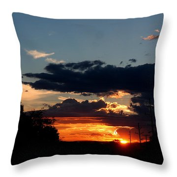 Throw Pillow featuring the photograph Sunset In Oil Santa Fe New Mexico by Diana Mary Sharpton