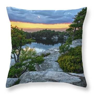 Sunset Of Contentment Throw Pillow