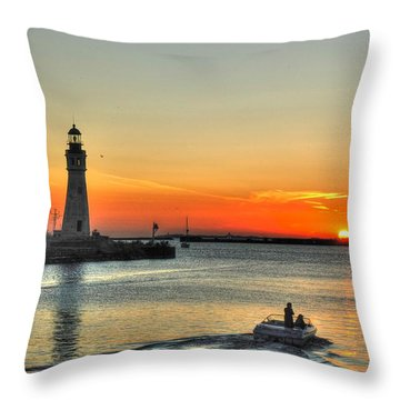 Sunset On Lake Erie Throw Pillow