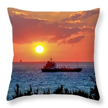 Sunset On The Horizon Throw Pillow