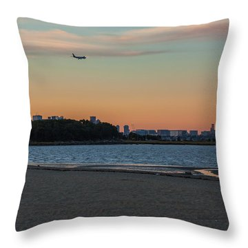 Sunset On Wollaston Beach In Quincy Massachusetts Throw Pillow