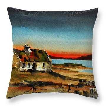 F 707 Inishfree Bay Near Ardra, Donegal.. Throw Pillow