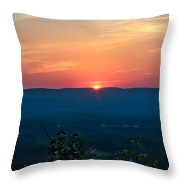 Sunset Over Easthampton Throw Pillow