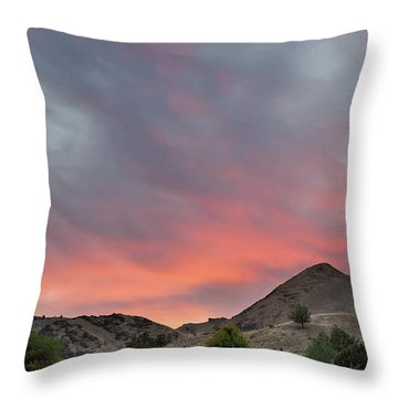 Sunset Over Farmland In Central Oregon Throw Pillow