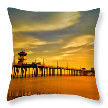 Sunset Over Huntington Beach Pier Throw Pillow
