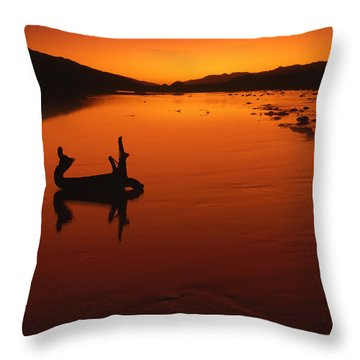 Sunset, The Wairau Valley Marlborough New Zealand Throw Pillow