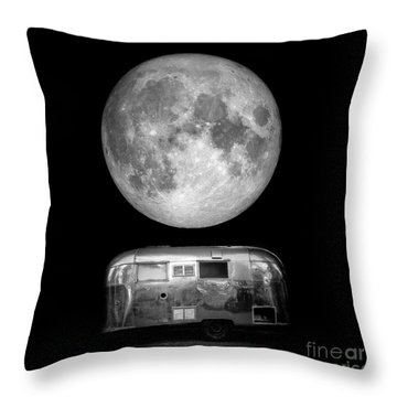 Throw Pillow featuring the photograph Super Moon by Edward Fielding