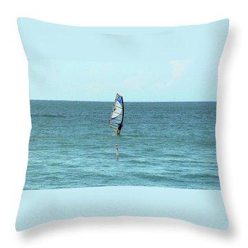 Surfing En Ocean Park Throw Pillow