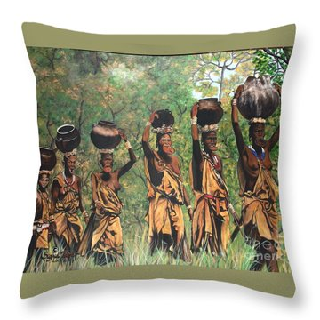 Blaa Kattproduksjoner        Surma Women Of Africa Throw Pillow