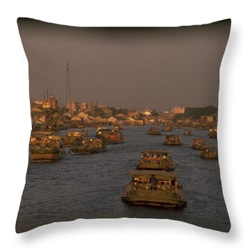 Sunset Travelpics Throw Pillows