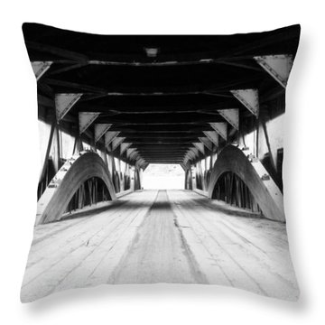 Taftsville Covered Bridge Throw Pillow