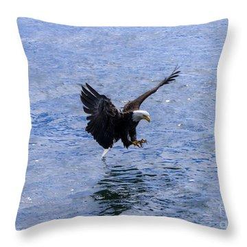 Tail Landing Throw Pillow