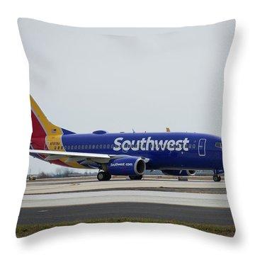 Take Off Southwest Airlines N7878a Hartsfield-jackson Atlanta International Airport Art Throw Pillow