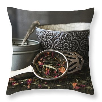 Tea Time 8312 Throw Pillow