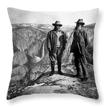 Teddy Roosevelt And John Muir - Glacier Point Yosemite Valley - 1903 Throw Pillow