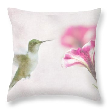 Textured Hummer Throw Pillow