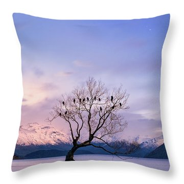 That Wanaka Tree Throw Pillow