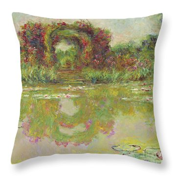 The Arches Of Roses, Giverny, The Flowering Arches, 1913  Throw Pillow