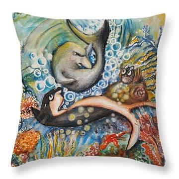 Friends 2 Throw Pillow