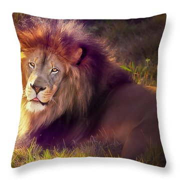 The Glorious King  Throw Pillow