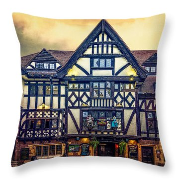 Throw Pillow featuring the photograph The King And Queen by Chris Lord