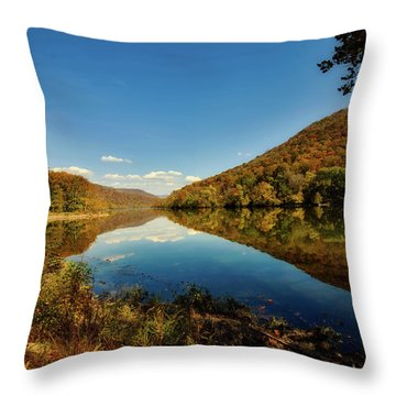 The New River In Autumn Throw Pillow by L O C