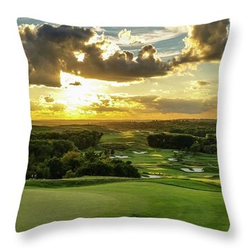 The Ninth Hole II Throw Pillow