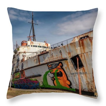 The Old Duke Throw Pillow