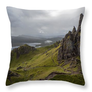 The Old Man Of Storr, Isle Of Skye, Uk Throw Pillow