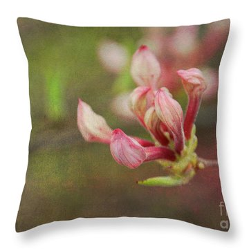 The Pink Claw, Textured - Georgia Throw Pillow