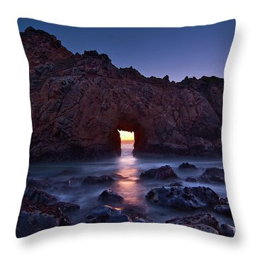 The Portal - Sunset On Arch Rock In Pfeiffer Beach Big Sur In California. Throw Pillow