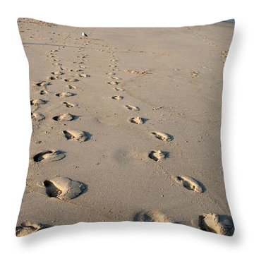 The Trails Of Footprints - Jersey Shore Throw Pillow
