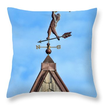 Throw Pillow featuring the photograph The Vane Golfer by Gary Slawsky