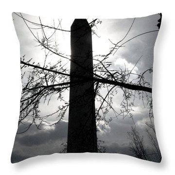 The Washington Monument - Black And White Throw Pillow