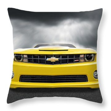 There's A Storm Coming - Camaro Ss Throw Pillow